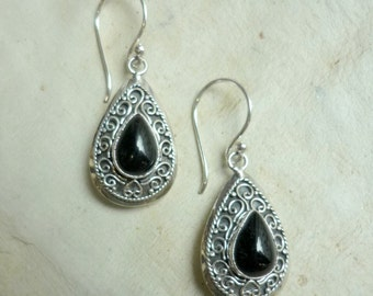 Sterling Silver Earrings, dangle earrings, black onyx earrings, teardrop shaped earrings, filigree design earrings, black stone earrings
