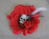 Olivia Paige -  Rockabilly Pin up Cameo13  chain skull hair clip