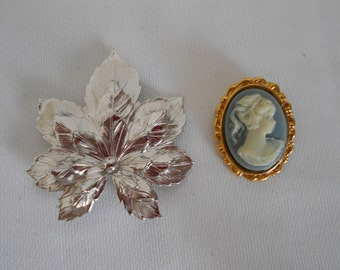 Reduced Vintage Sara Coventry silver leaf pin Brooch Blue cameo oval pin
