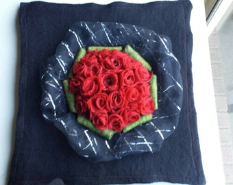 Handfelted 3D Red Rose Bouquet Wallhanging 'The Bouquet'