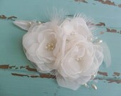 Bridal Hair Accessory, Wedding Hairpiece, Floral Hair Comb, Bridal Headpiece, Lace Hairpiece, Wedding Hair Comb,Feathered Headpiece