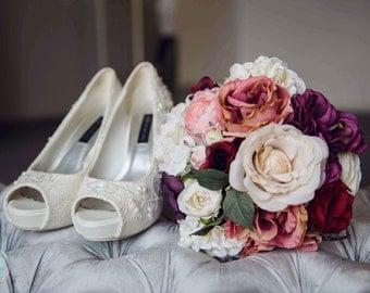 Bridal Bouquet, Wedding Flowers, Floral Bouquet, Bridesmaid Flowers, Wedding Bouquet, Bridal Flowers, YOUR CHOICE COLOR, Purple Bouquet