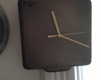 Baking Pan clock