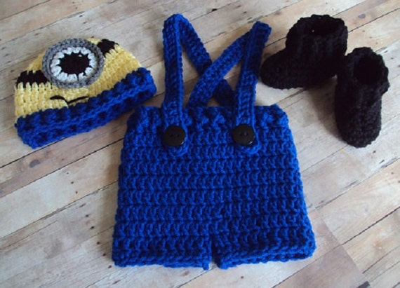Free Crochet Pattern For Minion Hat And Overalls : Hand Crochet Baby Minion Hat Overalls Boot Set Yellow