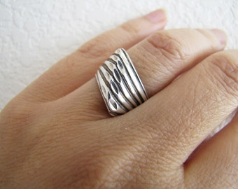 Solid Modern Cut Texture Sterling Silver Ring, size 5.5