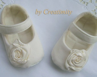 Ivory baby girl shoes,baby booties,ballerina shoes,crib shoes,christening baby shoes