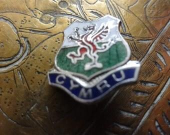 Vintage Welsh Wales Cymru pin lapel badge brooch collar cuff souvenir circa 1980's / English Shop