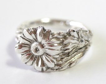 RARE Antique Sterling Silver Ring - Daisy, 1958