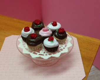 Miniature Cupcake Tier A - 1:12 Scale