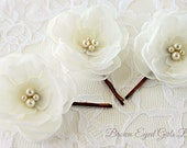 Ivory Bridal Flower Hair Clip Trio, Ivory Wedding Hair Accessory, Ivory Bobby Pin, Ivory Bridal Head Piece