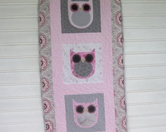 Owl patchwork wall hanging