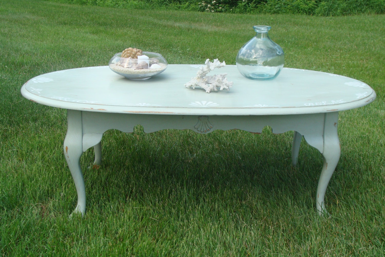 beach cottage queen anne style coffee table by pattisfinds on etsy. Black Bedroom Furniture Sets. Home Design Ideas