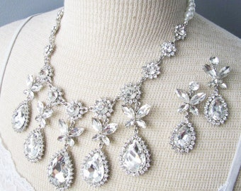 Statement Wedding Necklace in  silver tone and White Swarovski Pearl Great Bridal Wedding Pageant Jewelry