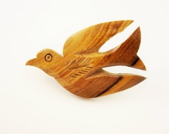 Bird or Dove Carved From Olive Wood - From 'Bethlehem' - Souvenir Pin From 'The Holy Land'