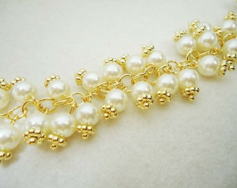 A-175. 30cm,  pearl with calyx Chain - Gold Plated