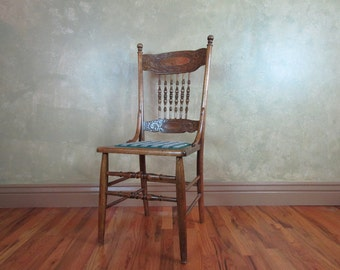 Early 1900s Antique Chair Carved Oak Spindle Back Accent Chair Local Pickup Only