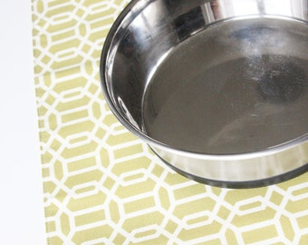 Pet Placemat for your dogs bowls - Kiwi Hexagons - Large Size