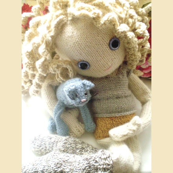 Pixie Moon - knitted doll pattern