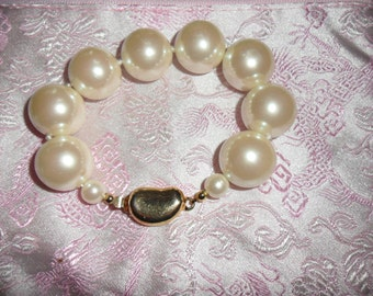 Authentic Vintage SIGNED COROLEE  Glass Faux Pearls Hand Knotted Bracelet And Gold Clasp, BRIDE, Wedding, Bridesmaid, Prom