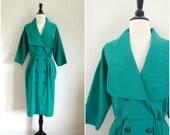Vintage emerald green oversized collar dress / retro brass button front shirtdress