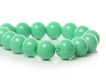 20 Mint Green Round Glass Beads Size 10mm