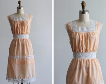 1970s Sweet Apricot Dress / Barbizon Dress