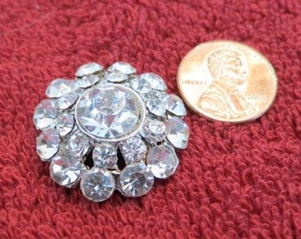 """Lovely vintage crystal button, 1"""" inch across, dome shape, 2 row rim, mixed sized stones,  center is 1 larger. Gold foil. CLAM15.3-3.21-12"""