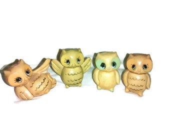 Mid Century Owl Figurines, 4 in Set , Made in Hong Kong , Plastic