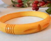Deeply Carved Art Deco Vintage Celluloid Early Plastic Bangle