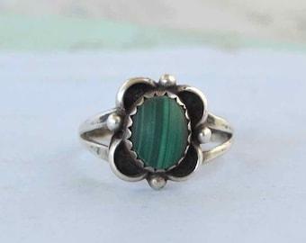 Vintage Navajo Malachite Ring - Size 7 1/2