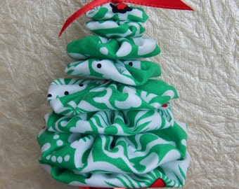 Green and White Floral Christmas Tree Ornament