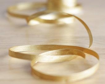 Gold metallic ribbon trimming - 7 mm - 9/32 inch