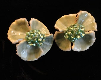 VINTAGE Earrings 1960s Clip, pretty flowers created from 4 small aqua green sea shells with tiny aqua pearl and rhinestone centers