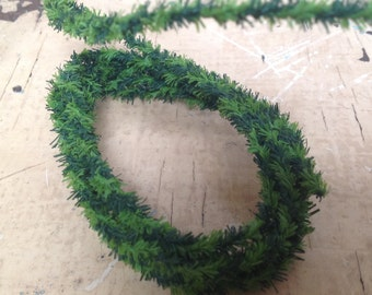 Dollhouse Christmas wire/garland, 2 Yards