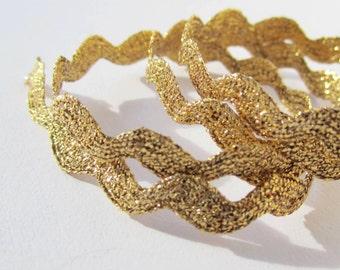 "5 metres of 1/4"" / 6mm metallic gold ric rac wavy trim - glittery"