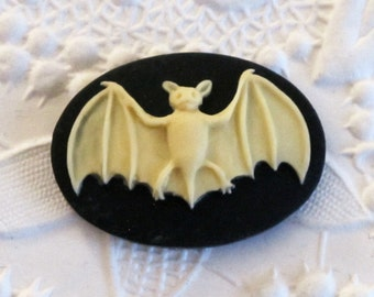 SALE_25x18mm_Halloween Bat_Cameo_Ivory on Black_Vampire_Dracula_All Hallows Eve_Familiar