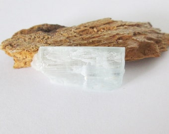 Natural Aquamarine Rough Crystal 9.45cts