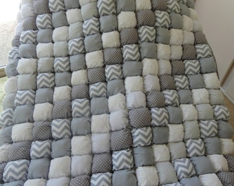 Tummy Time Bubble Quilt 42x52 Shades of Gray