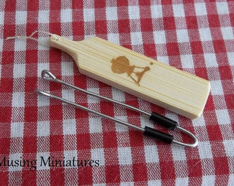 Barbeque Tongs and Grilling Plank in 1:12 Scale for Dollhouse Miniature Backyard BBQ Picnic