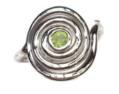 Celtic Spiral Ring set with Peridot