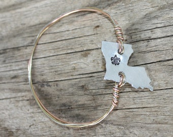 Handcrafted LOUISIANA, Fleur De Lis, Silver tone, Wire Wrap Bangle, FREE Shipping, by Okrrah