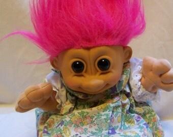 Doll, Troll Doll, Russ Troll Doll, Dam Doll, Gonk Doll