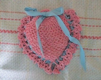 Vintage Crochet Lace Heart Pincushion Handmade Pink and Blue Handcrafted, Sewing and Crafts, Pins, Sew Notion, Needle