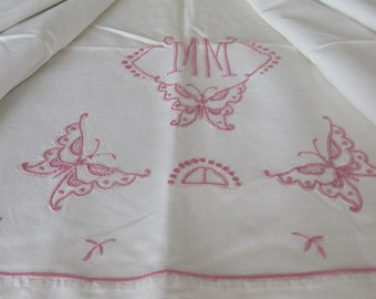 Vintage French heavy metis, linen sheet.  With butterflies and pink monogramme MM.  Ideal also for drapes, curtain. Country cottage chic