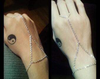 Triangle Hand Chain