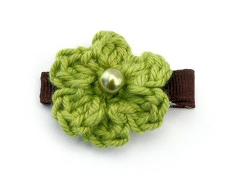 Crochet Flower Alligator Hair Clip in Apple Green