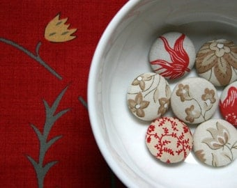 Handmade Fabric Covered Buttons - Mixed Set of 7 - 23mm - 7/8 inch - Antique Red and Taupe Floral Handmade Fabric Buttons