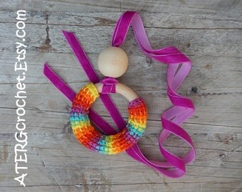 Teething ring necklace 'fuchsia' by ATERGcrochet