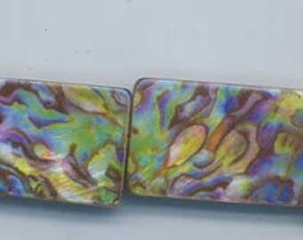 Six dazzling rainbow abalone beads - flat rectangles - 30 x 20 mm