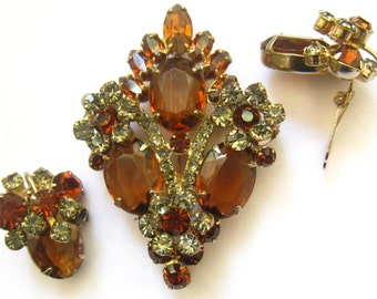 "SALE Vintage Rhinestone Brooch & Earrings Set in Topaz and Light Smoky Citrine Colors.  Dimensional.  Brooch is 2-3/4"" H x 1-15/16"" W."